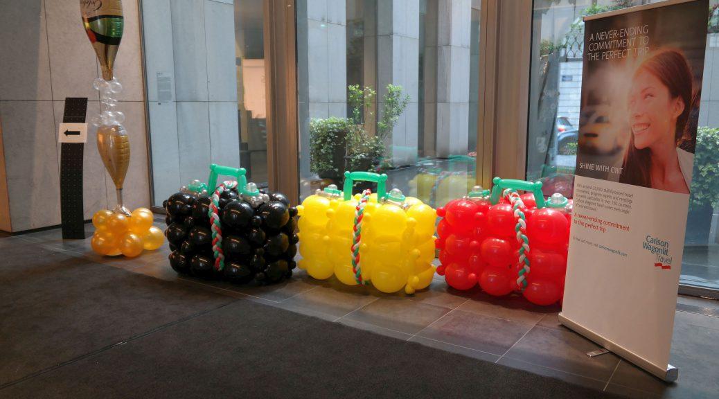 opendag bedrijfsfeest thema reizen ballondecoraties De Decoratieballon